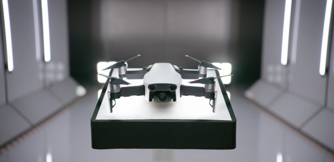 71ec935f0bb The Mavic Air data at 100 Mbps, shoots video at 4K 30 fps, and comes with  assist for recording 1080p 120 fps slow-motion video. The new drone shall  be out ...